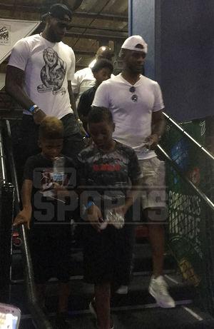 Chris Paul & LeBron James Bro Down After Rockets Trade