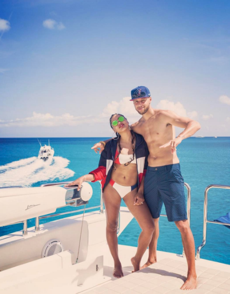 Steph and Ayesha Curry are having a much better 4th of July than you on this yacht...