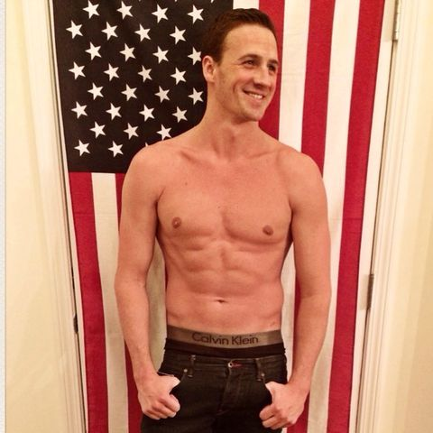 Ryan Lochte showed off his 4th of July 8 Pack