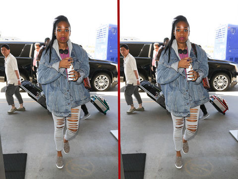 Can you spot the THREE differences in the Jennifer Hudson photos?