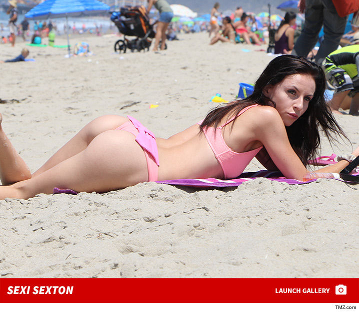 DeMario Jackson's Ex Puts a Bow On Her Assets!!!