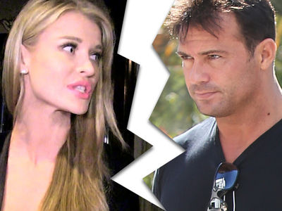 Joanna Krupa Files for Divorce from Romain Zago