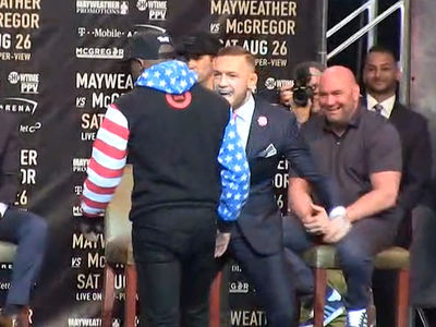 Conor McGregor Tells Floyd Mayweather to 'Dance for Me, Boy' at Fight News Conference