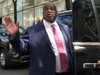 Christopher Darden Says Hide the Women and Children After O.J. Simpson's Released!!!