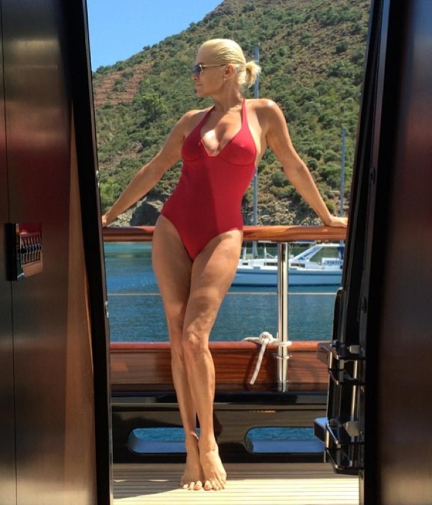 Sexy Yolanda Hadid nude photos 2019