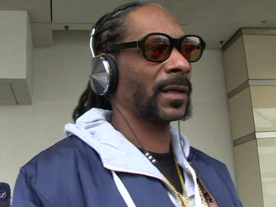 Snoop Dogg Off the Hook in Cracked Spine Lawsuit