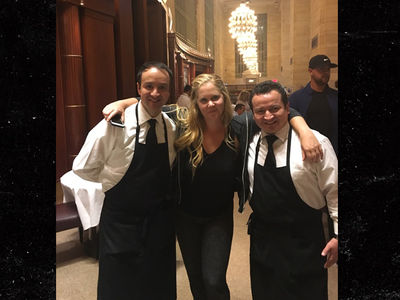Amy Schumer Visits Ex Co-Workers at Michael Jordan's Joint