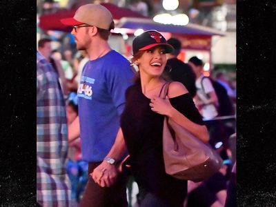 Ryan Gosling and Eva Mendes Have Disneyland Date Night