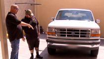 O.J. Simpson's Ex-Agent Takes Getaway Bronco to 'Pawn Stars'