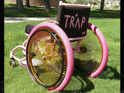 2 Chainz's Tricked Out Wheelchair Saves Concert Tour!!!