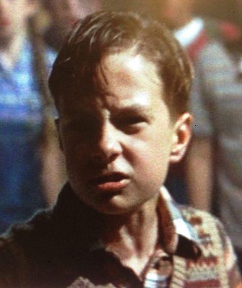 Adam Faraizl as Young Eddie Kaspbrak