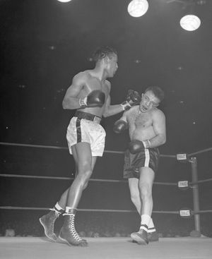 Sugar Ray Robinson vs. Jake LaMotta --Fight Photos