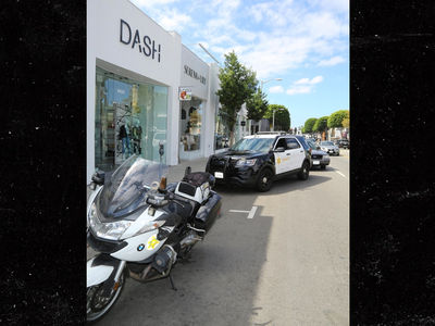 Kardashian DASH Store Employee Held at Gunpoint by Woman (UPDATE)