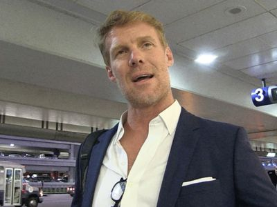 Alexi Lalas: Team USA Soccer Players Should Be Required to Stand