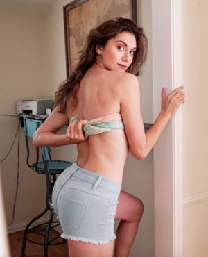 Alyson Stoner's Hot Shots