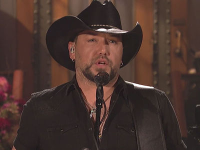 Jason Aldean Tells 'SNL' Viewers, 'Don't Back Down' After Vegas Massacre