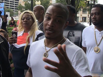 T.I. Leads Protest Against Houston's Restaurant, They Discriminate Against African Americans