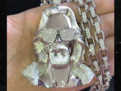 John Mayer Scores Diamond 'Big Lebowski' 'The Dude' Chain for 40th Birthday
