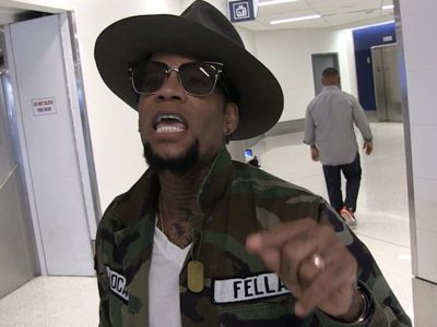 D.L. Hughley Says Colin Kaepernick Is More Hated Than O.J.