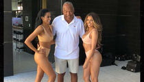 O.J. Simpson Takes a Picture With 2 Hot Women!!!