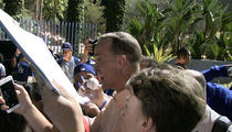 Peyton Manning Controls Crazed Dodger Fans Like NFL Defenses