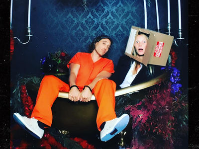 Gwyneth Paltrow Spoils Ending of 'Se7en' with Head-in-Box Halloween Costume