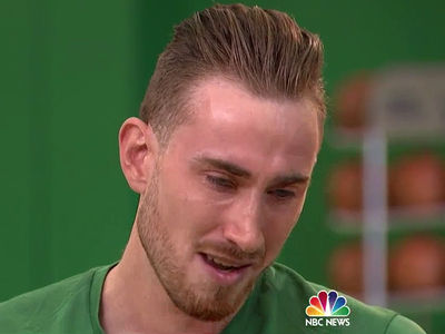 Gordon Hayward Tears Up Remembering Mom's Reaction to Gruesome Injury