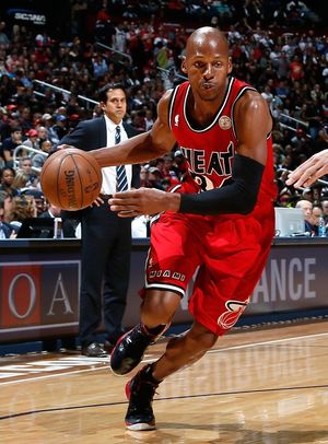 027413e4045b90 Ray Allen -- On the Court