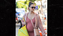Jessica Alba Hits Up Urban Outfitters Looking Stylish and Pregnant