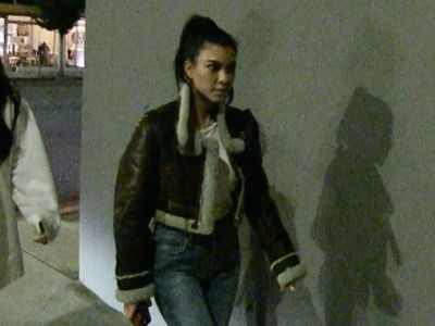 Kourtney Kardashian Silent and Hungry after Thanksgiving