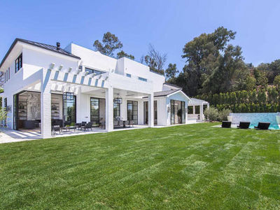 LeBron James Drops $23 Million for Second L.A. Mansion