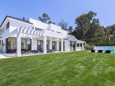 LeBron James Drops $23 Million for Second L.A. Mansion
