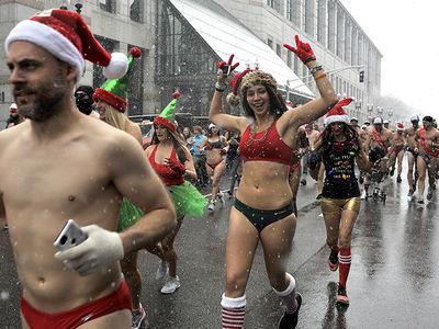 Boston Santa Speedo Run Held in Freezing Weather