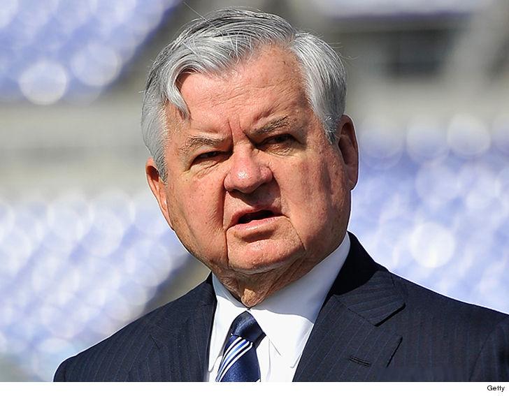 Carolina Panthers Owner Jerry Richardson Selling Team Amid NFL  Investigation (UPDATE) 135da76d5