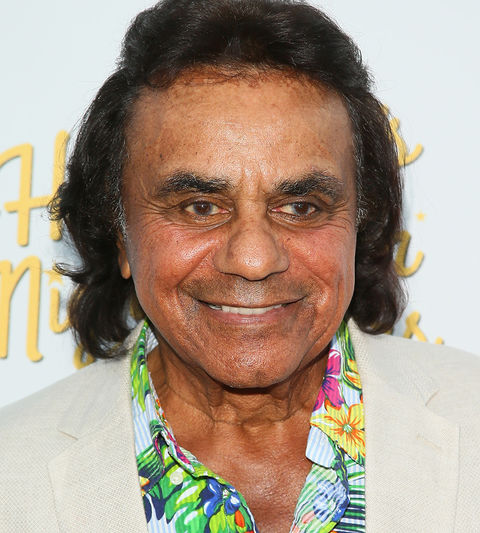Johnny Mathis -- now 82 years old -- was photographed looking holidazed.