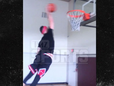 Justin Bieber's Pastor Carl Lentz Can Seriously Hoop