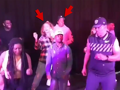 Beyonce and Jay-Z Do the Electric Slide!!!