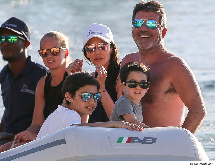 a748bb0a43 Simon Cowell and GF Lauren Silverman Living it up in Barbados