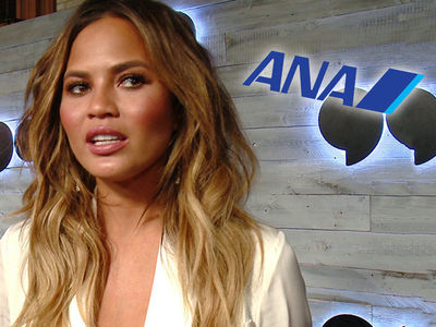 Chrissy Teigen's Japan Flight from Hell, Passengers Get 30,000 Yen as Apology