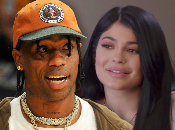 Travis Scott Performs on New Year\'s Eve for Kylie\'s Friends, Without ...