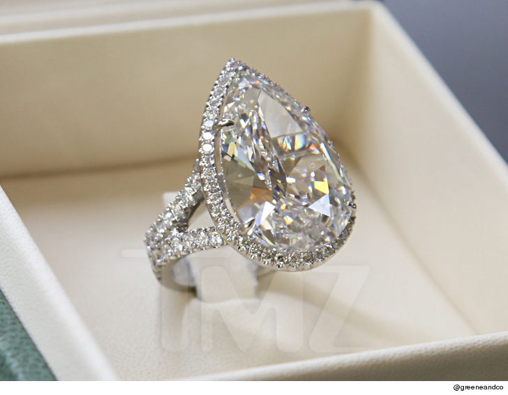 1  Paris Hilton in free publicity proposed to Paris bought the ring