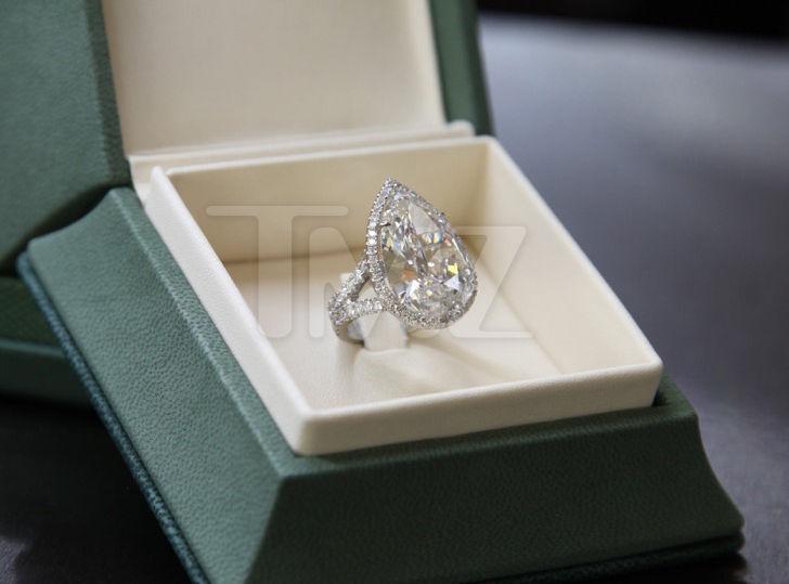 Paris Hilton S Engagement Ring Worth 2 Million Chris