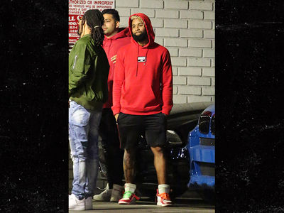Odell Beckham Hits L.A. Nightclub ... In Shorts