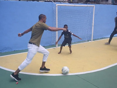 Jesse Williams Schooled By Brazilian Kids in Soccer