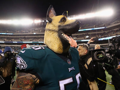 Philadelphia Eagles to Fans: Bring Your Dog Masks!!!