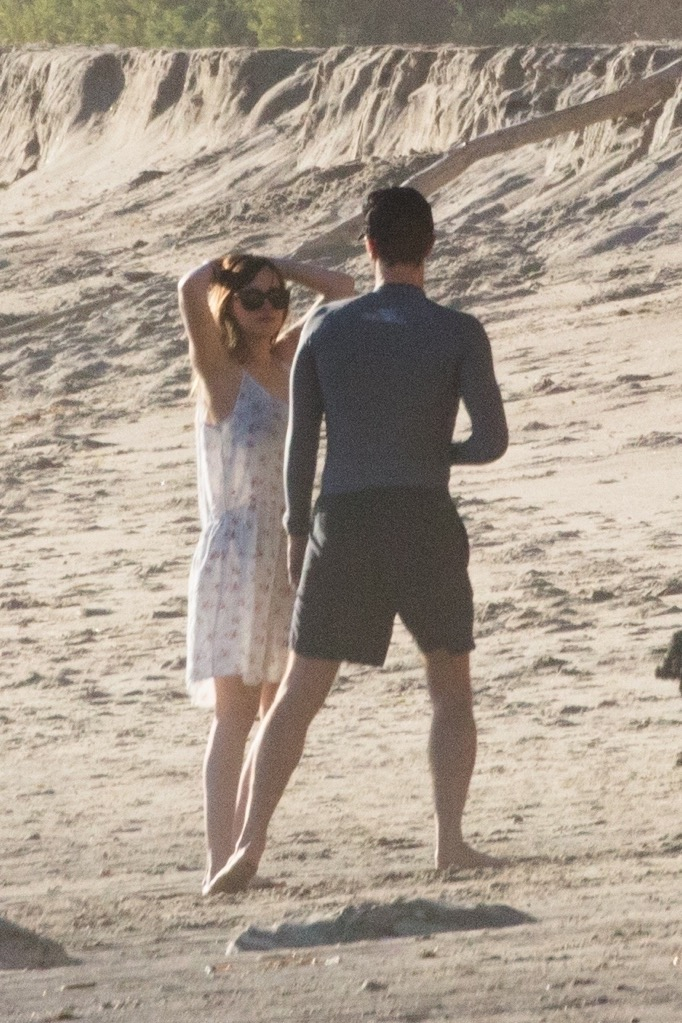 Dakota Johnson and Chris Martin on the Beach in Malibu ...