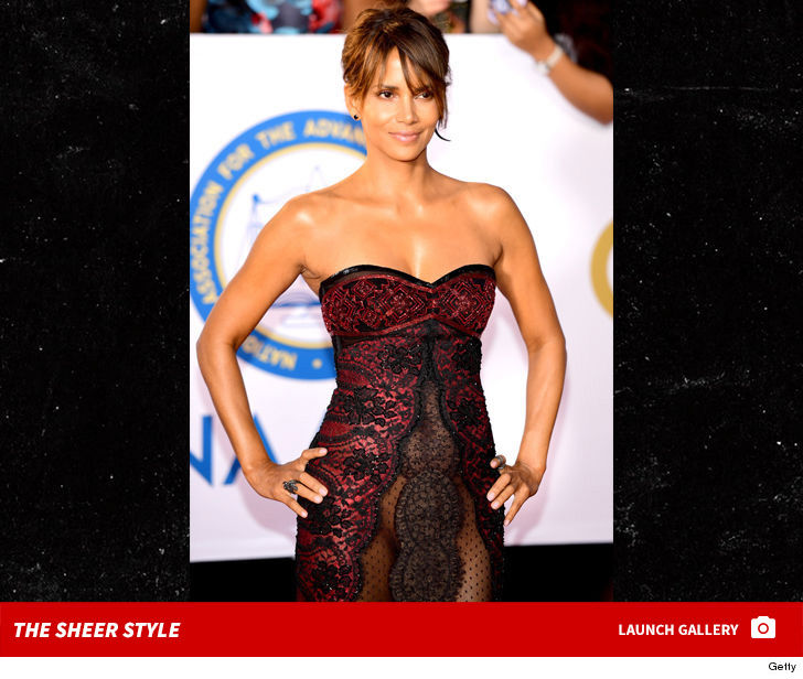 Halle Berry Goes Commando For Naacp Image Awards Tmz Com