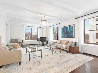Bruce Willis Lists New York City Duplex for $17.75 Million