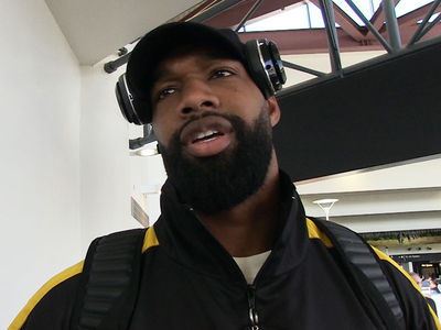 NFL's Marcedes Lewis Says XFL's National Anthem Rule Is Gonna Cost 'Em
