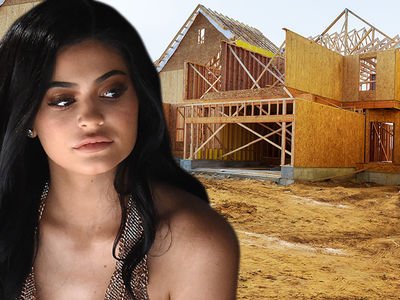 Kylie Jenner Scopes Out Mega Mansion at Site of Baby Bump Pic